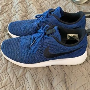 Women's Nike Roshe One Flyknit Game Royal size 9
